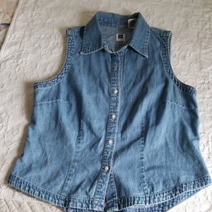 Gap sleeveless denim shirt